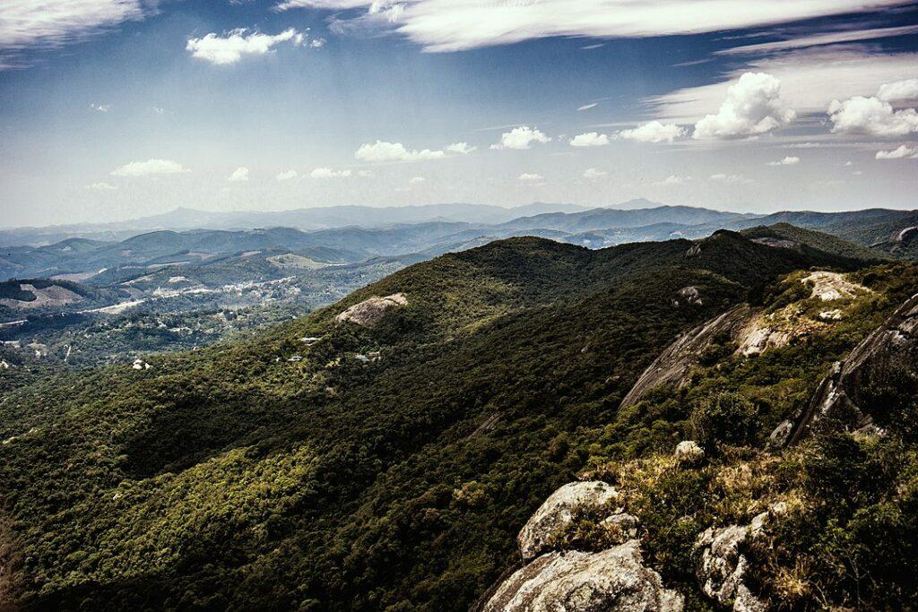 Vista de cima do Pico Selado em Monte Verde em Minas Gerais