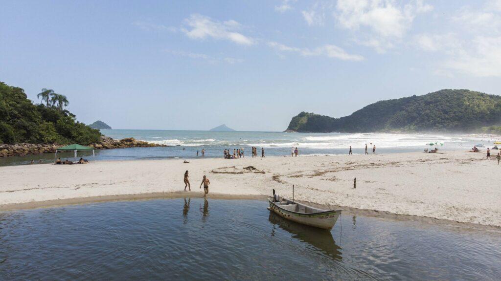 Praia de Camburi em São Sebastião (SP)
