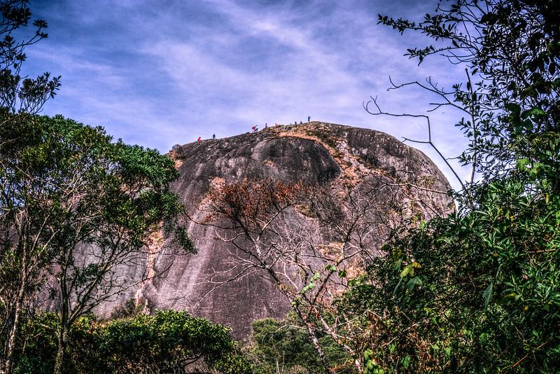 Pedra Redonda vista de baixo em Monte Verde em Minas Gerais