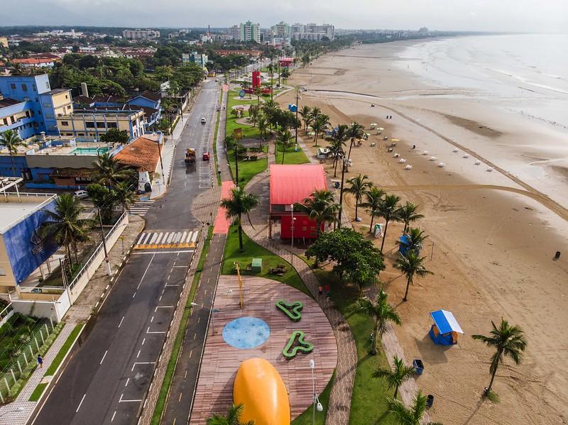 Vista de cima da cidade de Bertioga em São Paulo