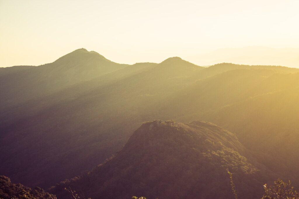 Vista de cima da Pedra Partida em Monte Verde em Minas Gerais