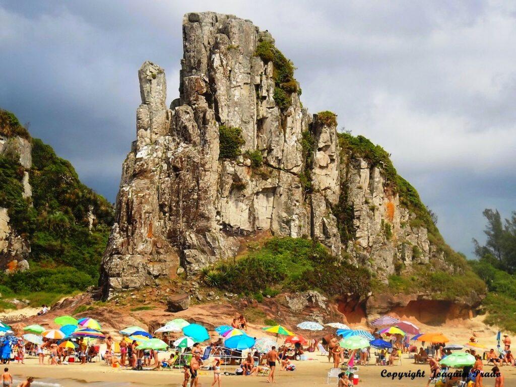 Praia Guarita em Torres no Rio Grande do Sul