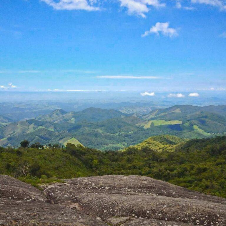 Vista de cima do Chapéu do Bispo  em Monte Verde em Minas Gerais