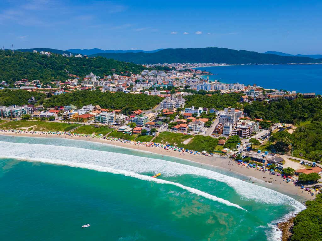 Praia de Quatro Ilhas em Bombinhas - Santa Catarina